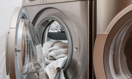 système de lavage pour les textiles avec de l'eau ozonée